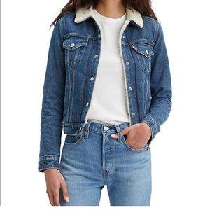 Levi's Sherpa jacket Size: S